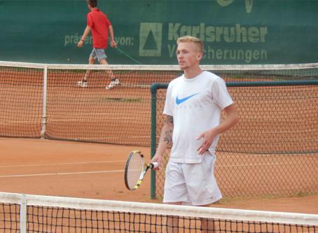 Der TCRW Durmersheim veranstaltet regelmäßig interne Turniere, wie die jährlichen Clubmeisterschaften, Schorle oder Sangria Cup. Außerdem findet bei uns auch diesem Jahr wieder ein LK-Turnier statt